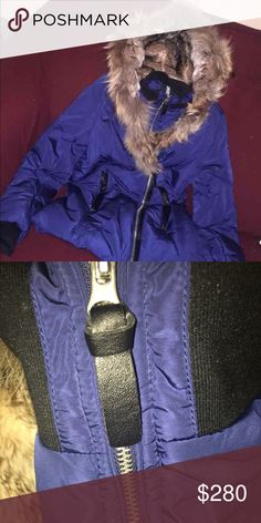 """T crew coat ( similar to mackage ) Only worn a few times originally bought for 450 but I am selling it for way cheaper ❕open to trades❕but really looking to sell . Very similar to the mackage """"Trish"""" coat 💯💪🏾 Jackets & Coats Puffers"""
