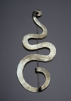 Alexander Calder - Brooch | About 1940, silver