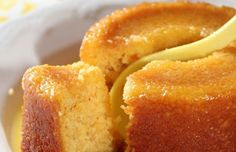 Imagine the scent of a smooth orange cake, with its texture, both incredibly compact and flexible, sweet, and extremely flavorful. This orange cake will make sensation among the most greedy gourmet. Mug Cakes, Cupcake Cakes, Cake Fondant, Fondant Toppers, Köstliche Desserts, Delicious Desserts, Dessert Recipes, Yummy Food, Snack Recipes