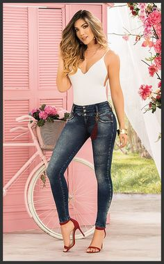 Cute Jeans, Sexy Jeans, Skinny Jeans, Sexy Outfits, Fashion Outfits, Womens Fashion, Mode Rockabilly, Fashion For Women Over 40, Girl Model