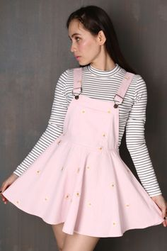 DAISY PINAFORE IN LIGHT PINK