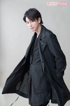The Handsome one. Japanese Film, Japanese Boy, Japanese Artists, Japanese Fashion, Japanese Drama, J Star, Takeru Sato, Rurouni Kenshin, Gackt