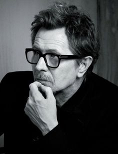 Gaz ♡ Gary Oldman [Gary Leonard Oldman] (born 21 March is an English screen and stage actor, filmmaker and musician Gary Oldman, Most Handsome Actors, Tim Roth, Harry Potter Cast, Celebrity Portraits, Sirius Black, British Actors, American Actors, Hollywood Actor