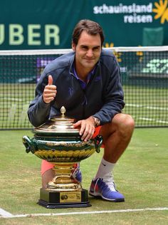 8th Halle Trophy 15th grasscourt title 86th ATP World Tour Crown OMG congrats again RogerFederer RF!!!!!!! Next: Wimbledon! ;)