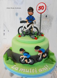 cyclist birthday cake for someone who loves cycling. figurine and bike are made of modelling paste . Cake Shop, Birthday Cake, Desserts, Cycling, Cakes, Food, Tailgate Desserts, Patisserie, Birthday Cakes