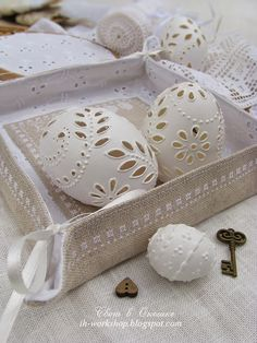 Свет в окошке: Easter textiles (natural & white) Easter eggs.