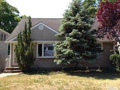 1742 Frederick Ave, Merrick, NY 11566