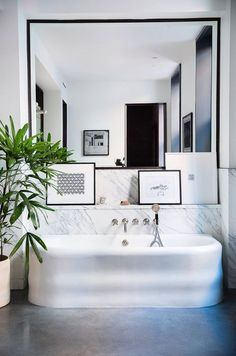 10 Photos That Will Convince You to Get a Concrete Bathroom Floor 10 Photos That Will Convince You to Get a Concrete Bathroom Floor - Marble Bathroom Dreams Concrete Bathroom, Concrete Floors, Bathroom Flooring, Concrete Lamp, Stained Concrete, Concrete Countertops, Laminate Flooring, Granite, Beautiful Bathrooms
