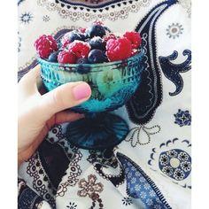 Yummy breakfast bowl of greek yogurt with bananas, blueberries and raspberries Raspberries, Blueberries, Buckwheat, Breakfast Bowls, Maple Syrup, Greek Yogurt, Recipe Box, Bananas, Blueberry