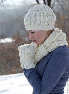 Комплекты аксессуаров ручной работы. Ярмарка Мастеров - ручная работа Вязаный комплект Milk шапка, шарф и варежки. Handmade.