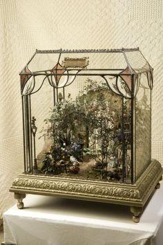 garden miniature -- a fairy garden in a wardian case! Miniature Rooms, Miniature Houses, Miniature Gardens, Miniature Greenhouse, Glass Terrarium, Fairy Terrarium, Succulent Terrarium, Miniture Things, Fairy Houses
