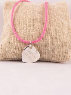 Pendentif argent 925/1000ème coeur penché sur cordon en coton ciré. Gravure au diamant sur fabriqueatresors.com