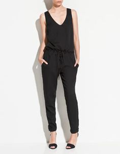 Just bought this long jumpsuit from Zara. Perfect for both casual & smart holiday wear!