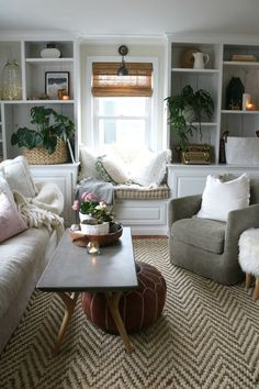 - A mix of mid-century modern, bohemian, and industrial interior style. Home and. - – A mix of mid-century modern, bohemian, and industrial interior style. Home and… – A mix o - Casual Living Rooms, Cozy Living Rooms, Living Room Interior, Home Living Room, Living Room Designs, Living Area, Modern Living, Living Room With Rug, Neutral Living Rooms