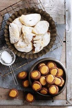 KLEIN KOEKIES & MERINGUES Biscuit Bar, Biscuit Recipe, 21st Bday Cake, Cinnabon Cinnamon Rolls, Food Art For Kids, South African Recipes, Dessert Recipes, Desserts, Holiday Baking
