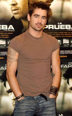 It doesn't even matter what he wears. Colin Farrell always looks hot! Colin Farrell, Hollywood Actor, Hollywood Stars, Hollywood Actresses, Hollywood Celebrities, Beautiful Boys, Gorgeous Men, Jeremy Renner, Glamour