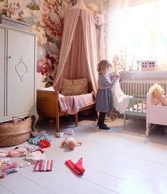 Papel pintado de flores para una habitación infantil | DecoPeques