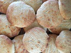 Förra helgen fyllde jag på frysen med Adams absoluta favoritbröd. De glutenfria hönökakorna ( originalreceptet kommer härifrån) som jag har tipsat om flera gånger. Denna gång gjorde jag kakorna någ…