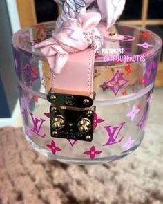 – Purses And Handbags Totes Luxury Purses, Luxury Bags, Luxury Handbags, Fashion Handbags, Fashion Bags, Pochette Louis Vuitton, Louis Vuitton Handbags, Purses And Handbags, Tote Handbags