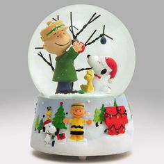 Charlie Brown's Christmas Snow Globe Red Christmas Ornaments, Christmas Snow Globes, Merry Christmas, Snow Globe Kit, Diy Snow Globe, Charlie Brown Christmas, Charlie Brown Peanuts, Bare Tree, Glass Globe