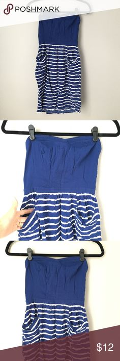 🔸FREE w/ Purchase🔸Xhilaration Blue & White Dress Cute little summer dress by Xhilaration. Features solid blue sweetheart neckline bodice, striped blue and white skirted portion (with pockets!), side shirring to keep the top fitted snugly, and back zip closure. In great condition, no signs of wear. Xhilaration Dresses Strapless