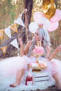 Kirstis Golden Birthday Adult Cake Smash Photo Session Sunshyne Pix
