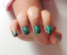Tiger nails - Mint Gradient - Kiko 389 Mint Milk and Kiko 343 Spring Green