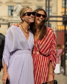 Chanel Fashion, Fashion Art, Casual Dresses, Fashion Dresses, Dress Up, Shirt Dress, Mom Style, Street Photography, Kimono