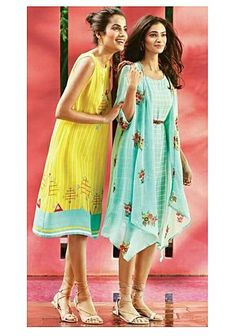 New Dress Pattern For Women Formal Ideas Stylish Dresses For Girls, Casual Dresses, Short Dresses, Shrug For Dresses, Indian Gowns Dresses, Indian Designer Outfits, Indian Outfits, Frock Fashion, Fashion Dresses