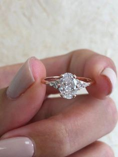 Vintage Oval Engagement Rings, Three Stone Engagement Rings, Shop Engagement Rings, Wedding Rings Vintage, Halo Diamond Engagement Ring, Rose Gold Diamond Ring, Oval Diamond, Ring Verlobung, Princess Cut