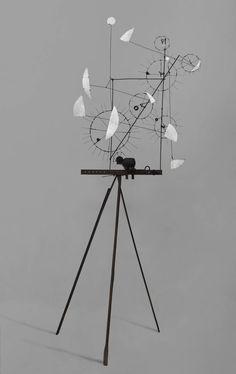 Artwork page for 'Metamechanical Sculpture with Tripod', Jean Tinguely, 1954 Alexander Calder, Jean Tinguely, Nouveau Realisme, Art Picasso, Pop Art, Arte Linear, Modern Art, Contemporary Art, Instalation Art