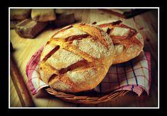 Θέλεις να φτιάξεις σπιτικό ψωμί, αλλά δεν έχεις μαγιά; Κανένα πρόβλημα! Φτιάξε ψωμί με σόδα σε μισή ώρα και με μόλις 6 υλικά, που έχεις στο ντουλάπι σου. Είναι πολλές οι φορές που λαχταράς ένα φρέσκο σπιτικό ψωμί, όπως το έφτιαχνε η γιαγιά σου στο χωριό. Ψάχνεις λοιπόν να βρεις τη συνταγή, τη διαβάζεις και σε πιάνει βαρεμάρα. Τελικά, τα παρατάς και πετάγεσαι στο φούρνο να αγοράσεις έτοιμο ψωμάκι. Σου […] Greek Recipes, Healthy Snacks, Food And Drink, Cooking Recipes, Stuffed Peppers, Breads, Cheese Bread, Health Snacks