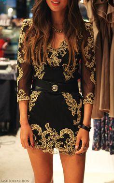 Vestido en negro y dorado