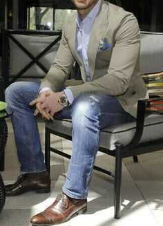 Take a look at the best mens business casual outfits in the photos below and get ideas for your work outfits! Men with Style: Top looks of the week (XXIII) ~ Men Chic- Mens Fashion and Lifestyle Online Magazine Trajes Business Casual, Business Casual Men, Men Casual, Casual Jeans, Denim Jeans, Dress Casual, Smart Casual, Blazer Jeans, Skinny Jeans