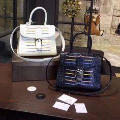 WEBSTA @ jessie_fashionstudio - all over 86 Fashion Studio, Jessie, Timeless Fashion, Fashion Bags, Backpacks, Luxury, Airplane, Classic, Leather