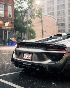 Naturally Aspirated Engined Porsche 918 Is A Hybrid Sports Car. Posrche 918 Is A Pocket Ship Designed Fabulous Car With Fantastic Looks And Performance. Sports Car Photos, Exotic Sports Cars, Cool Sports Cars, Sport Cars, Exotic Cars, Race Cars, Maserati, Ferrari, Bugatti