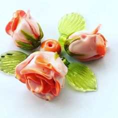 #petrovnalampwork #lampwork #my365beads2016 #bead #flower #roses #salmonroses #glass