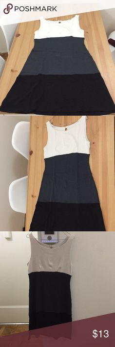 Tri color dress Worn a few times Size large White - grey - black Perfect for formal / work dresscodes Dresses Midi Large White, Cheer Skirts, Black And Grey, Times, Formal, Closet, Color, Things To Sell, Dresses