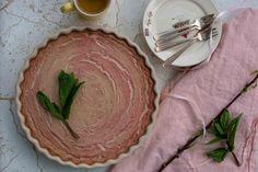 Rabarber cheesecake met ricotta - My Food Blog Food Blogs, Pie Dish, Ricotta, Yogurt, Cheesecake, Good Food, Plates, Dishes, Tableware