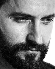 Richard Armitage with beard of wonder