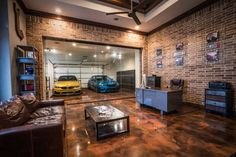 The Super-Luxury Show Garage Cool Garages, Custom Garages, Garage Design, House Design, Garage Interior Design, Warehouse Home, Ultimate Garage, Dream Car Garage, Modern Garage