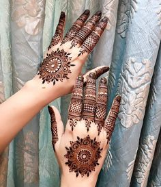 Latest Arabic Mehndi Designs Henna Trends Collection consists of stylish and beautiful mehndi patterns to try on events, festivals, weddings, etc Henna Hand Designs, Mehandi Designs, Mehndi Designs Finger, Latest Arabic Mehndi Designs, Mehndi Designs 2018, Mehndi Designs For Girls, Modern Mehndi Designs, Mehndi Design Pictures, Wedding Mehndi Designs