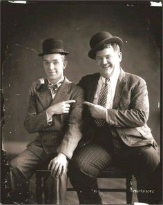 Stan Laurel & Oliver Hardy, in italiano Stanlio e Ollio Laurel And Hardy, Stan Laurel Oliver Hardy, Great Comedies, Classic Comedies, Classic Movies, Hollywood Stars, Classic Hollywood, Laurel Burch, Mejores Series Tv