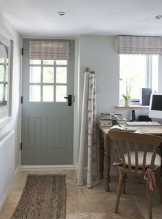 Home of Joy Interiors, an interior and design company specialising in all interiors country home style. Style At Home, English Cottage Interiors, Cottage Shabby Chic, Cottage Front Doors, House Blinds, Cottage Blinds, Country Interior, Cottage Kitchens, Cottage Living