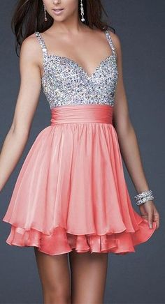 Such a cute dress!