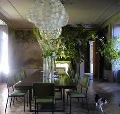 Salle à manger fleurie de l'artiste Claire Basler | Photo: © clairebasler.com