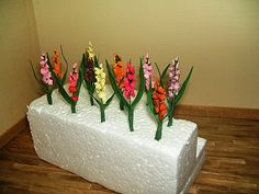 Doreen's Miniatures and Memoires: Making The Gladiolas