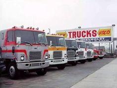 Many GMC Astro This is when trucks looked pretty. Big Rig Trucks, Gm Trucks, Diesel Trucks, Cool Trucks, Diesel Cars, Peterbilt Trucks, Chevrolet Trucks, Chevy, General Motors
