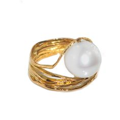 South_sea_Australian_pearl_oyster_ring1.jpg