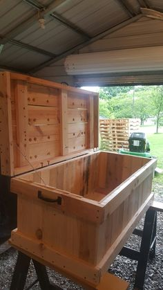 Wood pallet hope chest I built by Jason fox